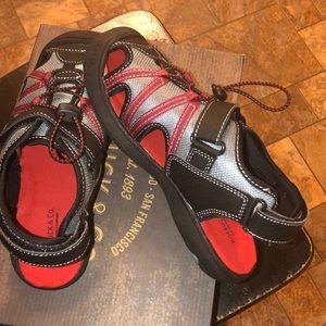 Roebuck & co Shoes - Roebuck & co boy's YB Stevie blk/red sport sandal